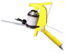 The Gotcha Sprayer Pro adaptor triggers both aerosol cans and our powder duster with an extension pole, killing wasps, wasp nests, and dusting or spraying for wasps.